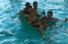 Tretješolci na plavalnem tečaju